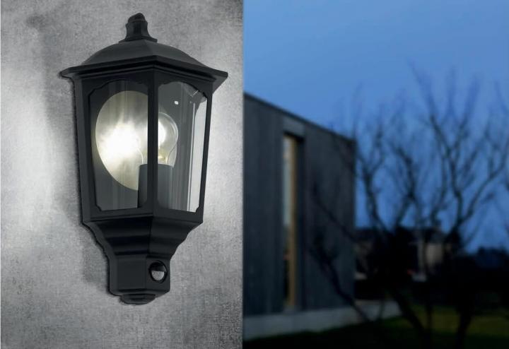 Настінний вуличний світильник Eglo MANERBIO 97259