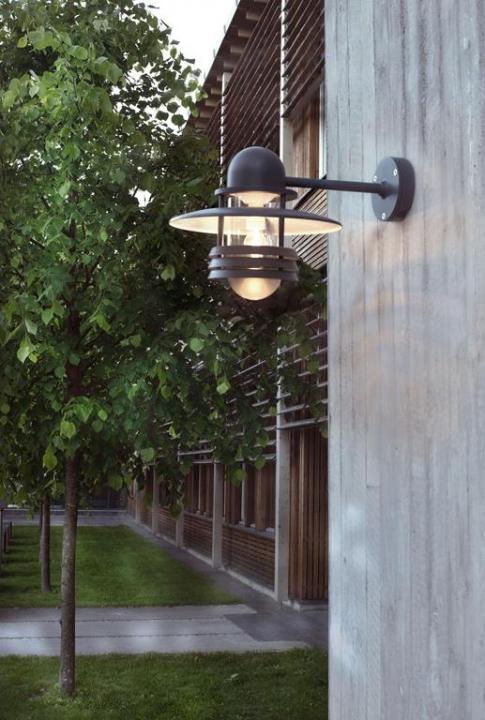 Настінний вуличний світильник Norlys Helsinki 886W